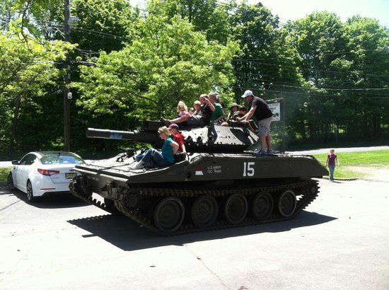Military Museum of Southern New England : TANK