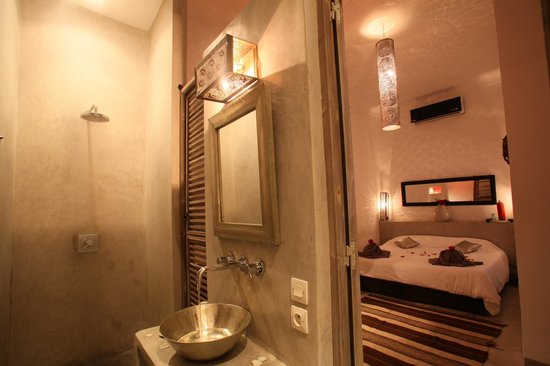 Riad de Vinci: Chambre double - salle de bains