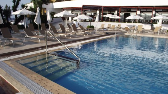 Olympic Palace Resort Hotel & Convention Center: pool