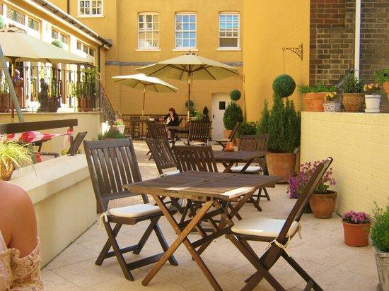 St Giles House Hotel: terrace