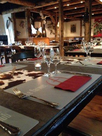 Farinet Restaurant & Nightclub: Intérieur