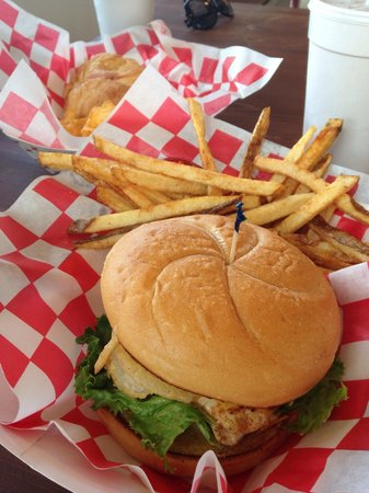 Lunchbox: Grilled chicken and chicken salad