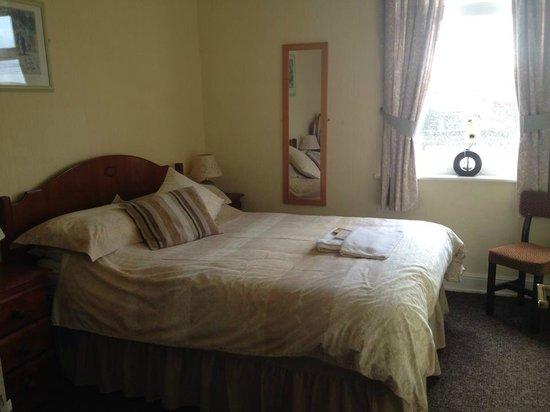 The Laurels Hotel: double room. Room 1
