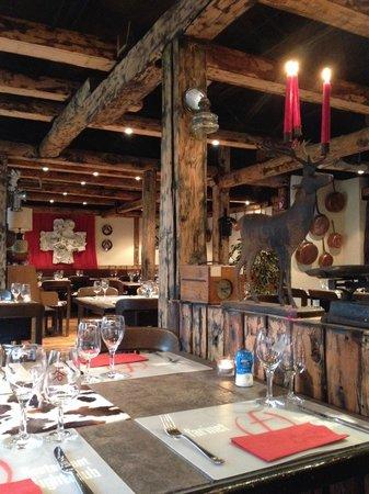 Farinet Restaurant & Nightclub : Intérieur