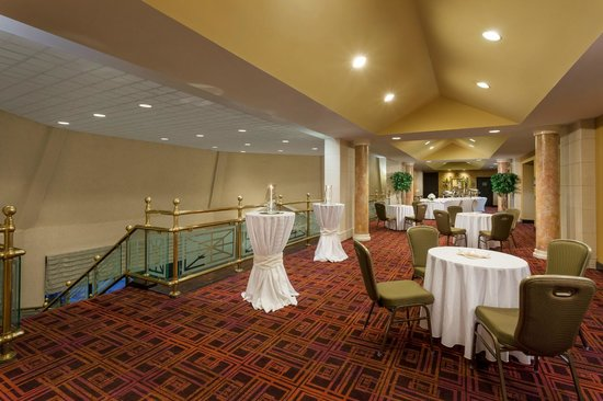 Crowne Plaza Hotel Englewood : Pre Function Area