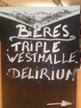 Farinet Restaurant & Nightclub: Bières en bouteille en plus des fûts!