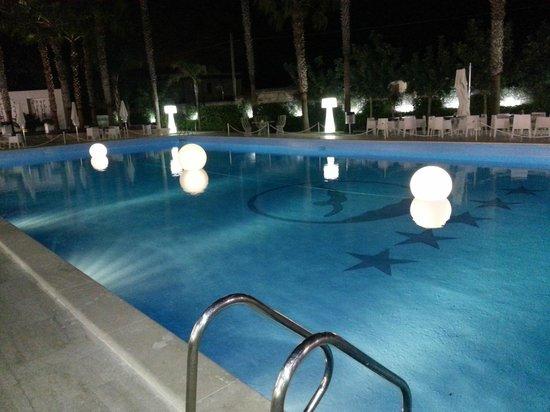 Mec Paestum Hotel : piscina