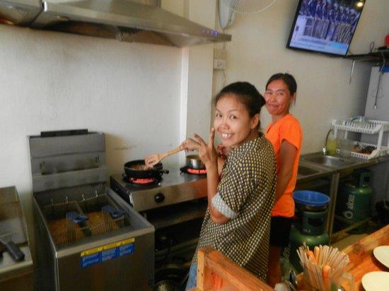 Snack Bar Bkk: Employés
