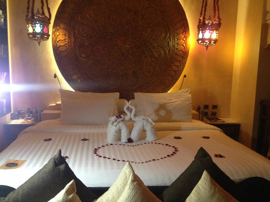 The Baray Villa: Large, comfy bed