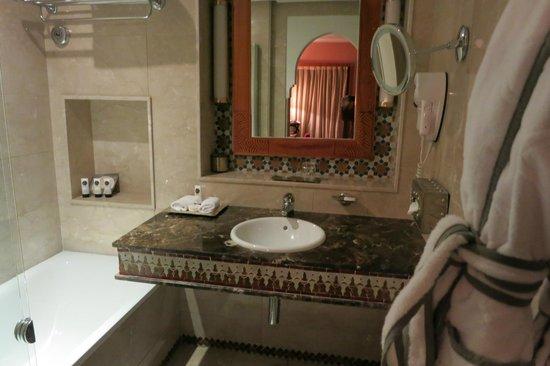 Sofitel Marrakech Palais Imperial: wash basin