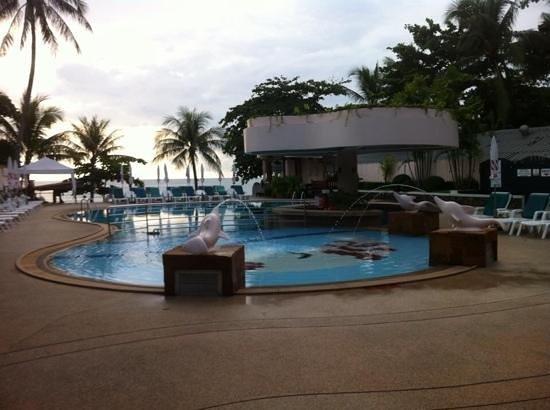 Chaba Samui Resort : the pool which very near to Chaweng beach