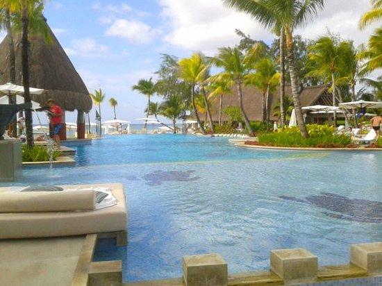 Ambre Resort & Spa : The Pool