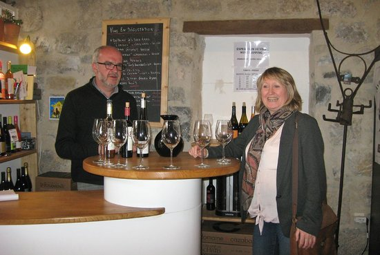 Vin en Vacances - Day Tours: Wendy describes what she tastes in great detail