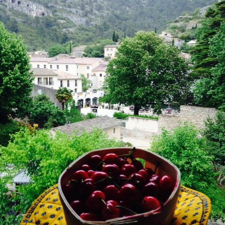 Hotel du Poete : room view and local cerises!