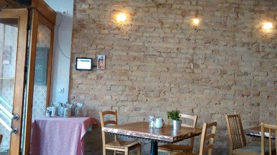 KRONE, kitchen & coffee: Il locale