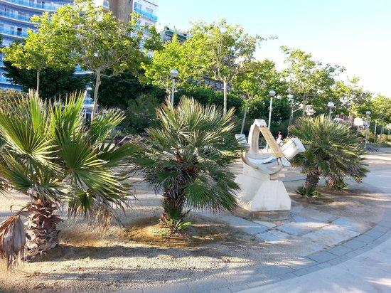 MedPlaya Hotel Santa Monica: town