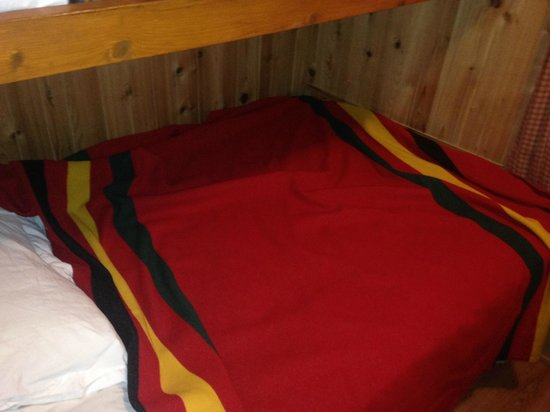 Lake of the Woods Resort: Bunker Beds on the top with a double bed