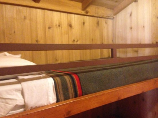 Lake of the Woods Resort: Smaller Room with bunker beds