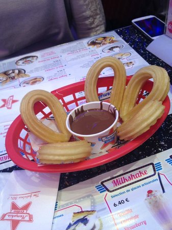 Memphis Coffee: Churros Nutella
