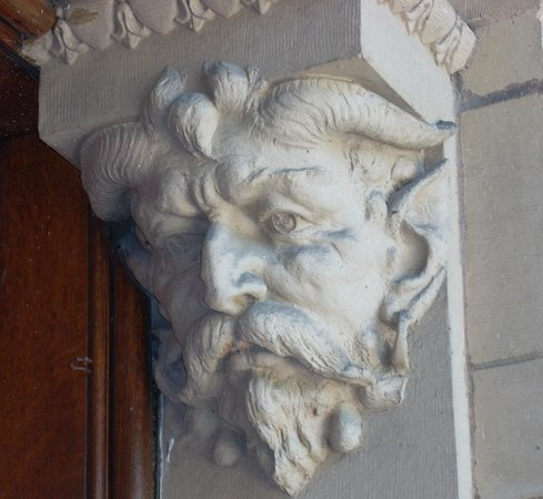 Yerkes Observatory : detail on columm