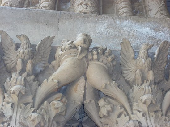 Yerkes Observatory: Detail on top of one the columms