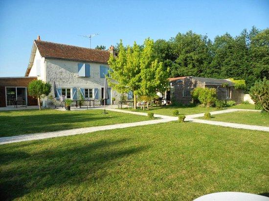 Domaine de Villevert : La pelouse
