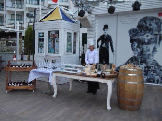 Hotel Cettia Beach Resort: Cheese and wine night
