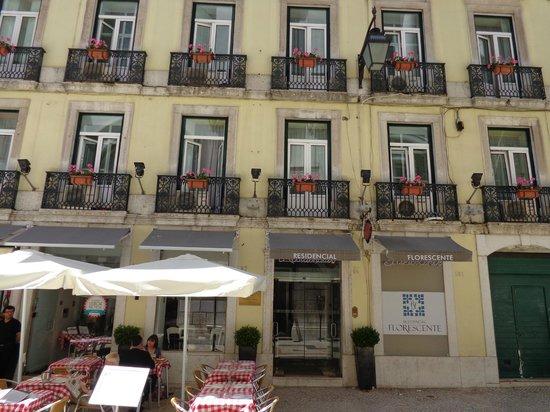 Residencial Florescente: Hotel Entrance