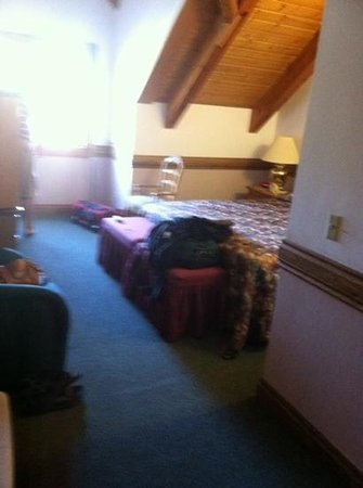 Garland Lodge & Resort: smallest hotel room ever