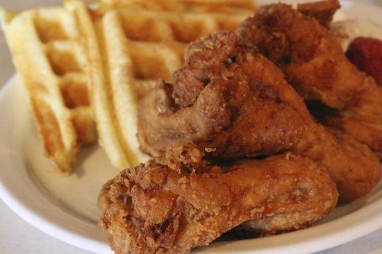 Beans & Cornbread: fried wings & waffles