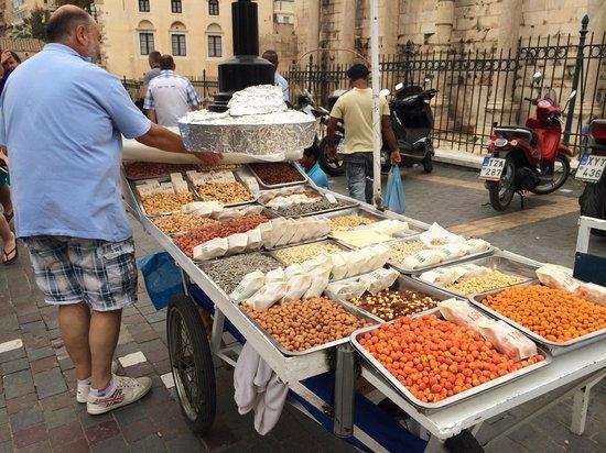 Monastiraki: Vendor on Monastirike Square
