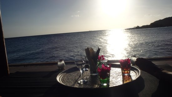 Zanzibar Lounge and Restaurant: Nosso Lounge Bed reservado