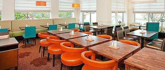 Hilton Garden Inn Portland Airport : Dining Area