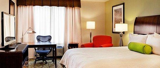 Hilton Garden Inn Portland Airport: Guestroom King