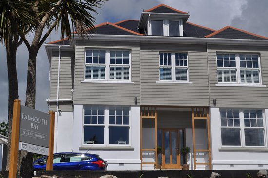 Falmouth Bay Guest House: Exterior