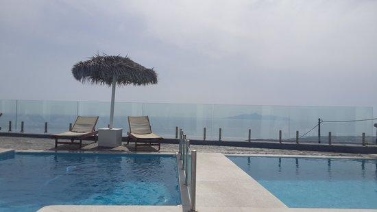 Splendour Resort : all pools were side by side