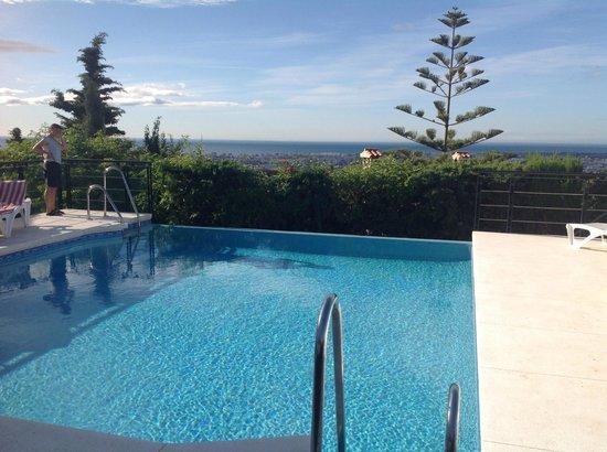 Hotel Villa Guadalupe: Zwemmen met zicht op Malaga city