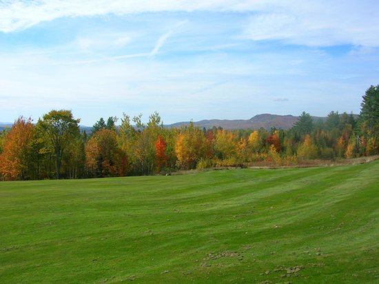 Mountain View Grand Resort & Spa: Grounds at Fall