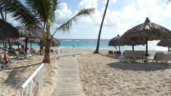 Luxury Bahia Principe Ambar Don Pablo Collection: Beach Boardwalk