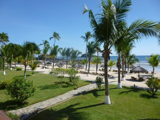 Andilana Beach Resort : vista dalla camera su spiaggia relax