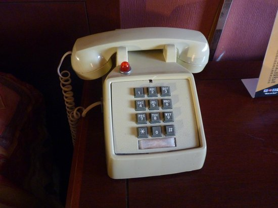 Howard Johnson Inn Flagstaff University West : Téléphone de la chambre