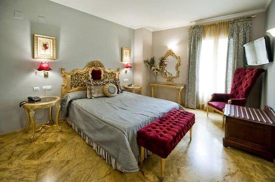 Hotel Adriano Sevilla: Habitacion deluxe