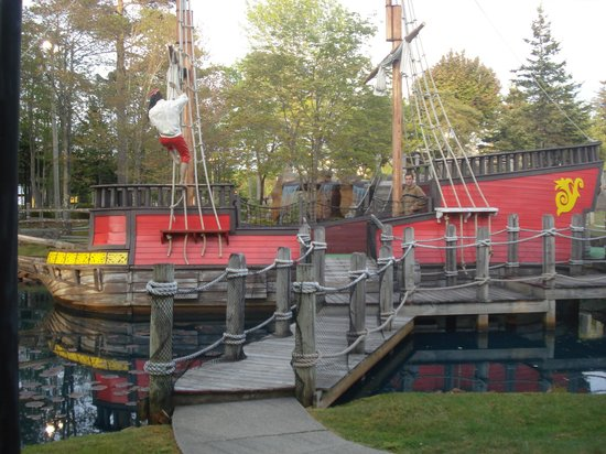 Pirate's Cove Miniature Golf: pirate ship