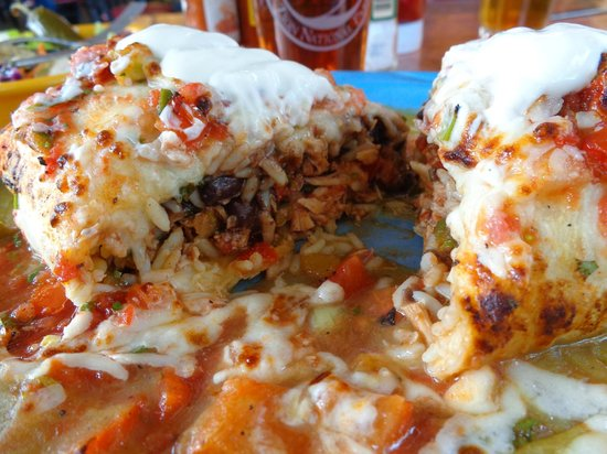 Oscar's Cafe : Chicken burritto with the works.