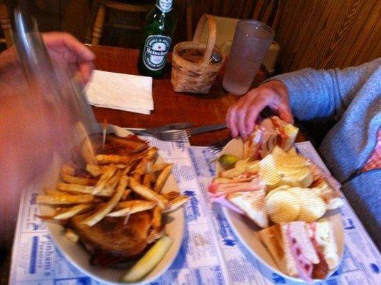Flatlanders : Mmmm lunch!