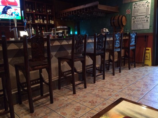 El Mazatlan: The bar area