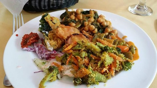 Cinnamon Indian Cuisine : Full plate of buffet items