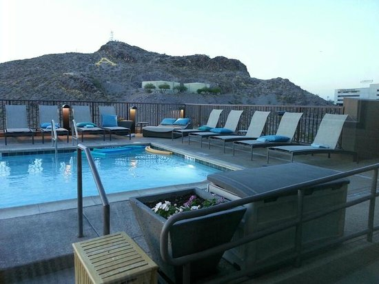 Residence Inn Tempe Downtown/University: Rooftop Pool