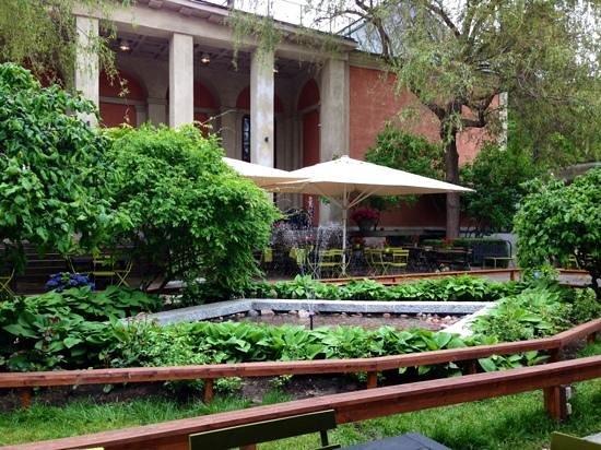 Bla Porten : schönes Gartenrestaurant