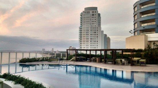 Conrad Punta del Este Resort & Casino: Piscina aberta.